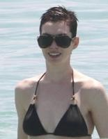 hot-sexy-non-nude-celebrities-anne-hathaway